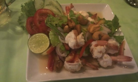 WW Will Wait Bakery & Restaurant :                   Delicious spicy Thai salad