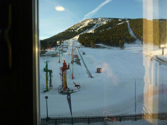 SERHS Ski Port Del Comte Hotel:                   Esta vista teniamos desde la ventana de la habitacion