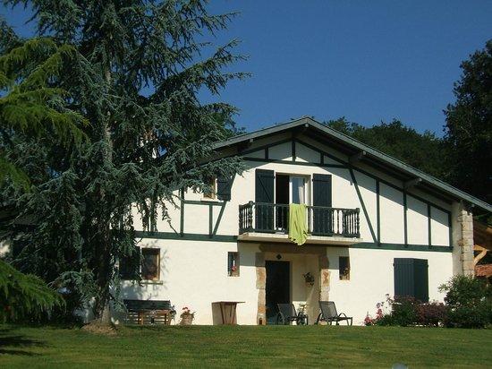 Maison Elgartea :                                     vue extérieure