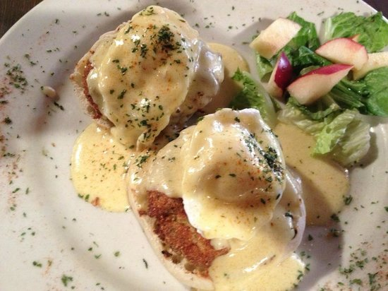 Star Steak & Lobster House:                   Crabcake benedict