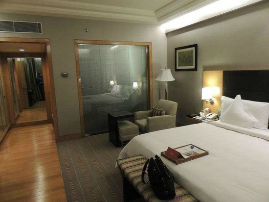 Crowne Plaza Hotel Gurgaon:                   room in suite