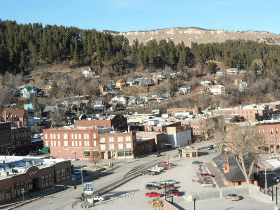 Deadwood Mountain Grand Hotel, a Holiday Inn Resort:                   veiw of town