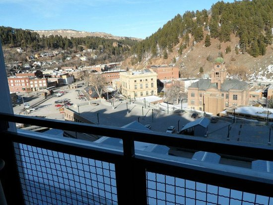Deadwood Mountain Grand Hotel, a Holiday Inn Resort:                   view of town