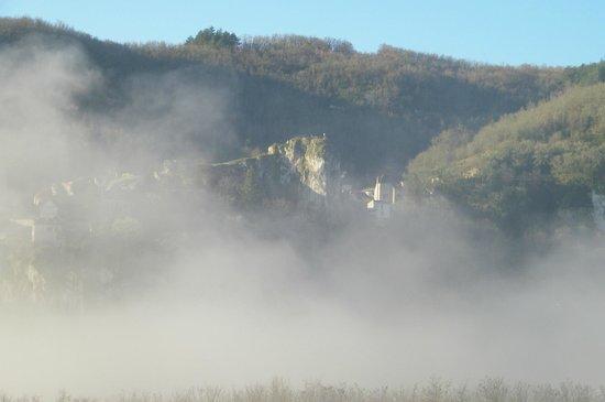 Hôtel Spa Le Saint Cirq :                   village vue depuis la chambre