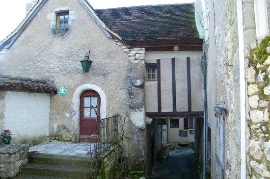 Hôtel Spa Le Saint Cirq :                   village