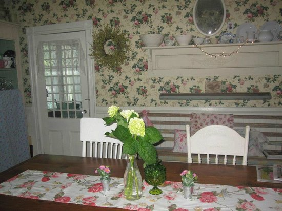 Nathaniel Morris Bed and Breakfast Inn: Dining/Meeting Room