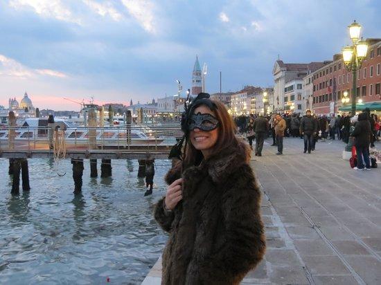 Hotel Saturnia & International:                   GINA-Carnaval Veneza
