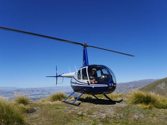 Wanaka Helicopters:                   mt. roy top landing