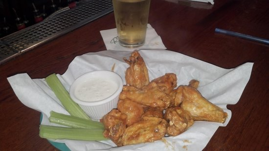 Riley's Bar and Grill:                   Wings
