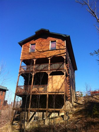 Hemlock Hills Resort:                   Standing Bear Lodge
