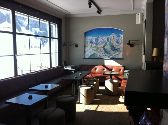 Ski Lodge Engelberg:                   Part of the bar - perfect for apres