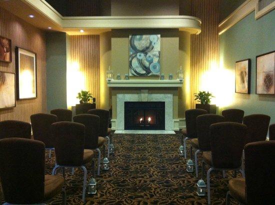 Alexis Hotel - a Kimpton Hotel:                   Wedding Ceremony Set-Up