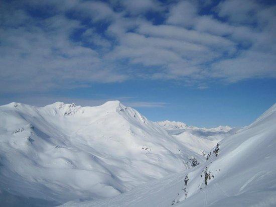Arosa Ski Resort:                   mountains