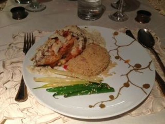 Hillview Haven Estate:                   almond chicken with apricot (smell and taste makes you crazy)