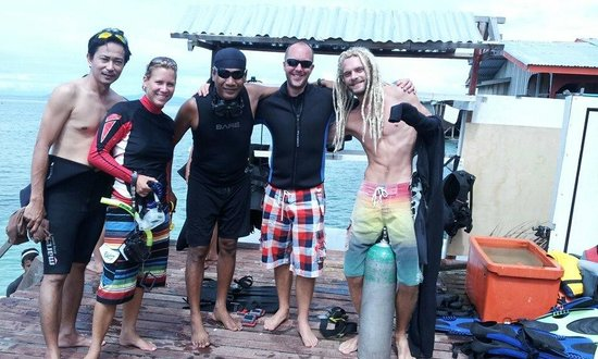 Scuba Jeff Guest House:                                     ScubaJeff diving instructor and divemasters