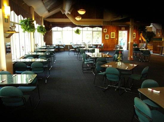 Timberline Bar & Grill:                   a view of the dining room