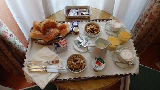 Caesar House Residenze Romane :                   Breakfast