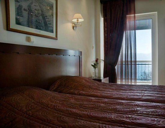 Plaza Hotel : wonderfull sea view from your  bed