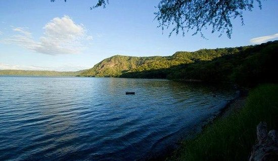 Apoyo Lodge: the lake