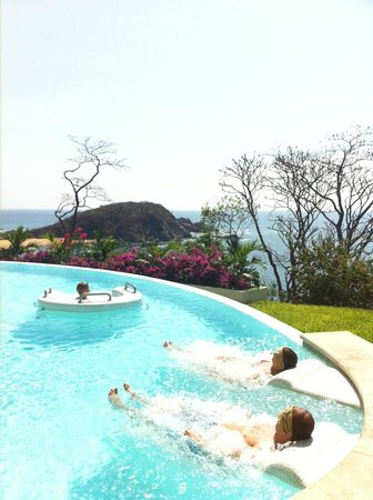 Secrets Huatulco Resort & Spa:                   Spa - hydrotherapy circut.