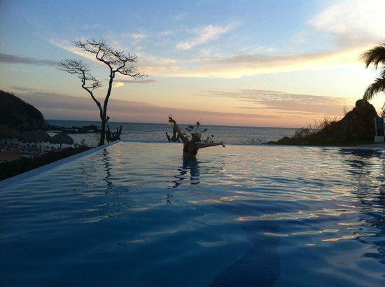 Secrets Huatulco Resort & Spa:                   Beautiful infinity pools
