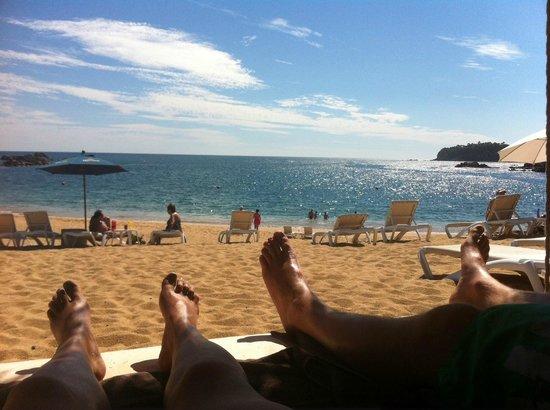 Secrets Huatulco Resort & Spa:                   What a view - 90 and sunny, todos las dias!