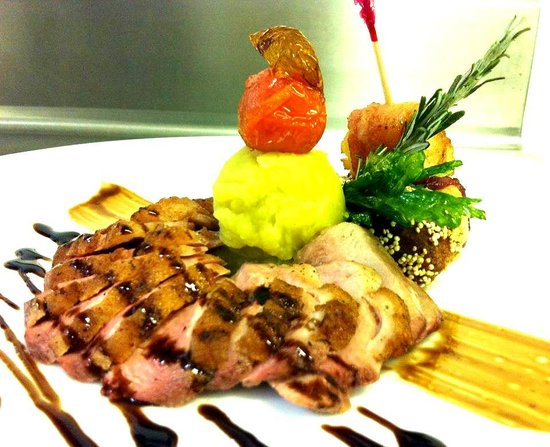 Pavo Real by the Sea: Delicious duck