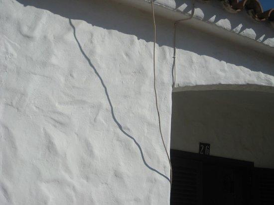 Los Porches Ramon:                   Ledninger der bare hænger
