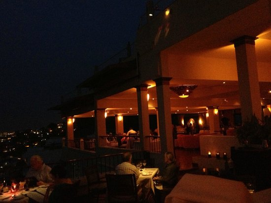 Vista Grill On The Beach:                   romantic glow