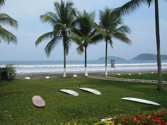 Hotel Club del Mar:                   where we met for our surf lessons (in front of hotel)