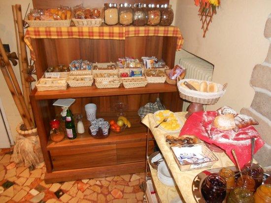 Hotel Florivana:                   angolo colazione