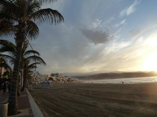 Playa de Las Canteras:                   verso il tramonto