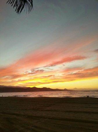 Playa de Las Canteras:                   tramonto