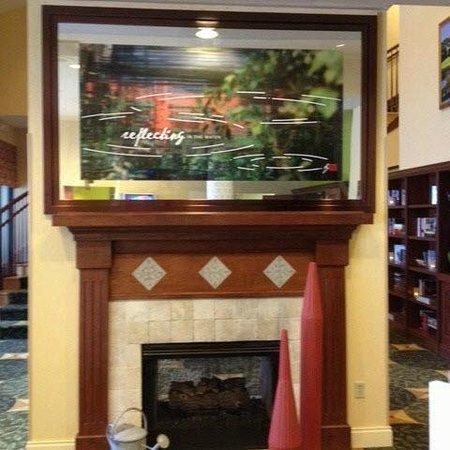 Hilton Garden Inn Jacksonville / Ponte Vedra: Reflecting...