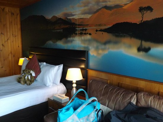 Lodge on Loch Lomond:                                                       room 6