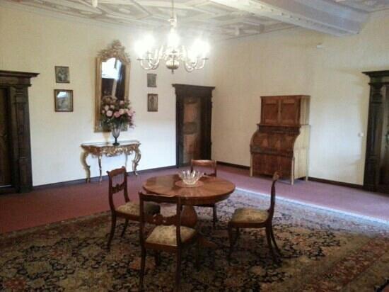 Hotel BurgGartenpalais:                   2nd floor hall