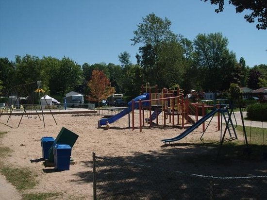 Carsons Camp: East side playground