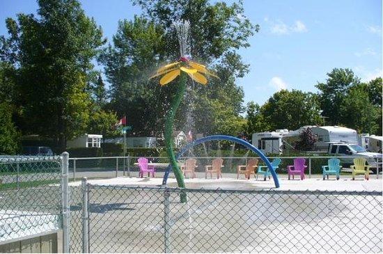 Carsons Camp: West side splash park
