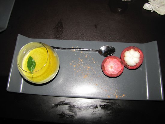 Tangor:                   pannacotta with a fresh mangosteen