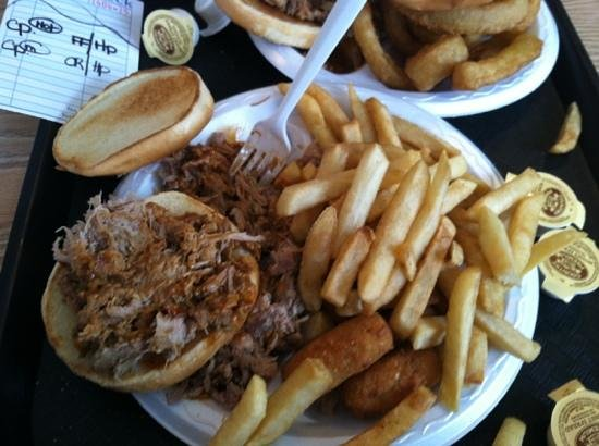 Little Pigs Bar-B-Q:                   nom nom nom..