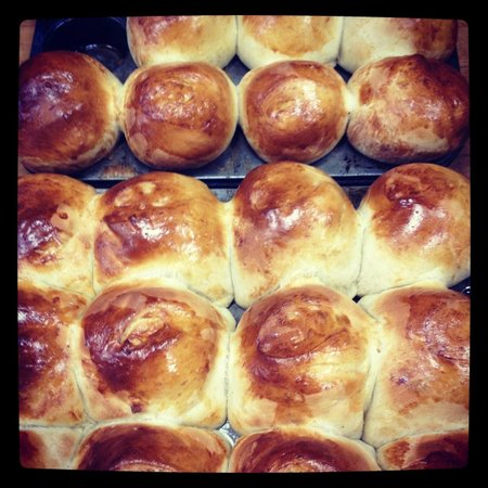 Connie's Bakery: Challah!
