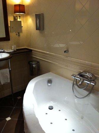 Hotel Estherea:                   jacuzzi