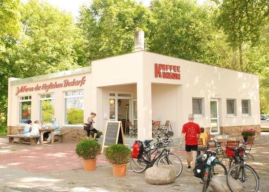 Kaffee Konsum:                                     Pause am KaffeeKonsum in Wolletz