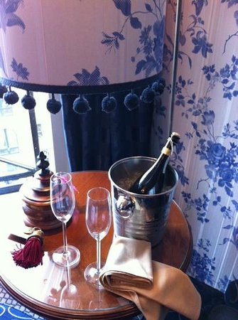 Hotel Estherea:                   lovely bottle of prosecco