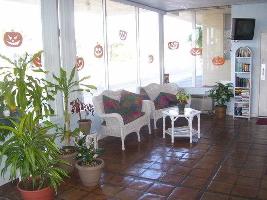 Sea Dip Beach Resort and Condominiums: Front Desk