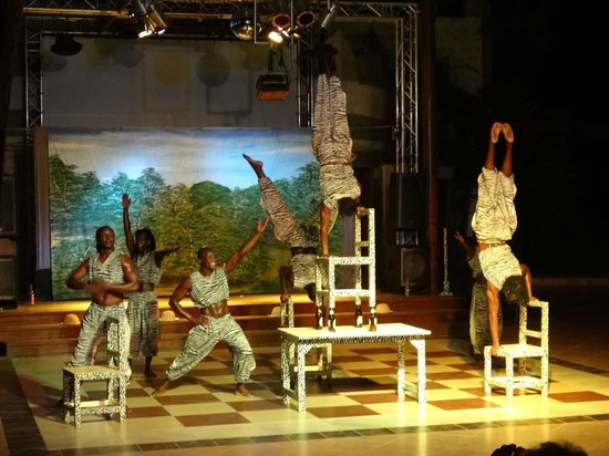 Baobab Beach Resort & Spa:                   The acrobatic evening show is spectacular (much better than the other shows)
