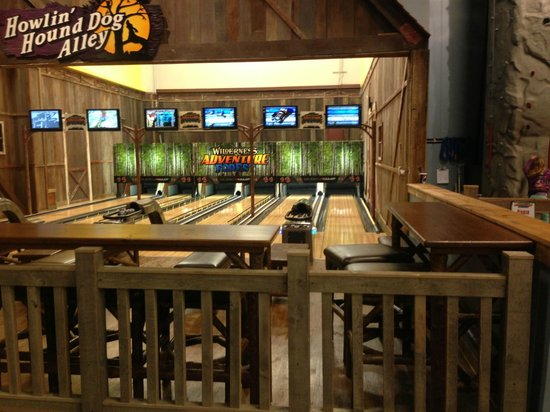 Wilderness at the Smokies Resort:                                     bowling