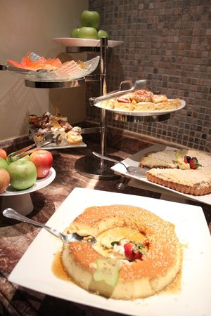 JW Marriott Guanacaste Resort & Spa:                   Buffett dinner: the best desserts ever!!!