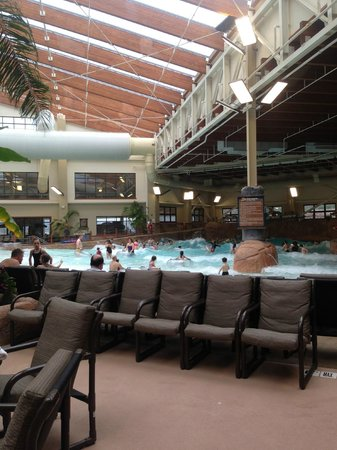 Wilderness at the Smokies Resort:                                     wave pool