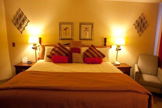 Scenic Hills Inn: Jacuzzi Bed